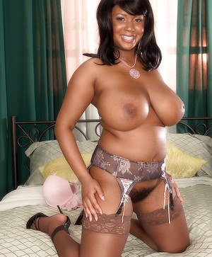 Ebony In Stockings Pics