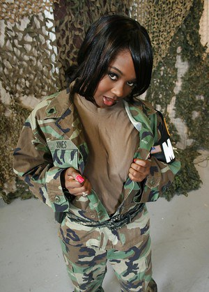 Ebony In Uniform Pics