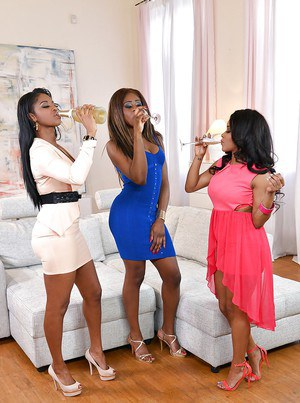 Ebony Threesome Pics